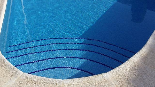 Costi di gestione di una piscina facciamo due calcoli - Costi manutenzione piscina ...